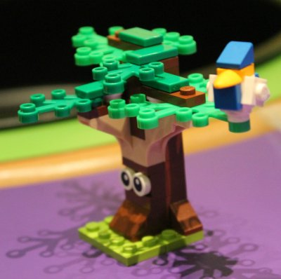 LEGO Tree and Bird
