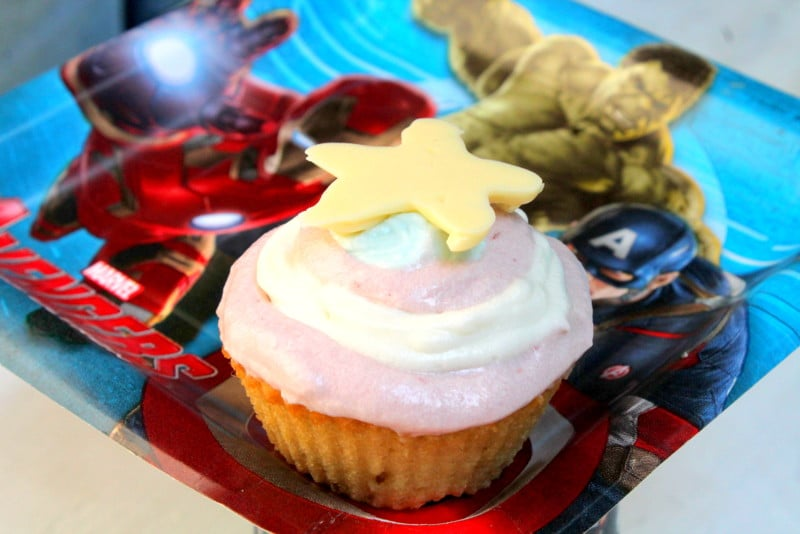 Marvel Avengers Birthday Party Super Easy Captain America Shield Cupcake 2