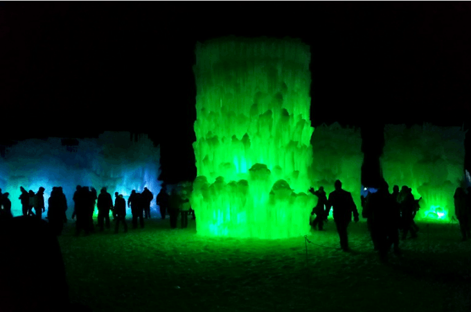 RTKB Family Travel: Ice Castles Lincoln, NH