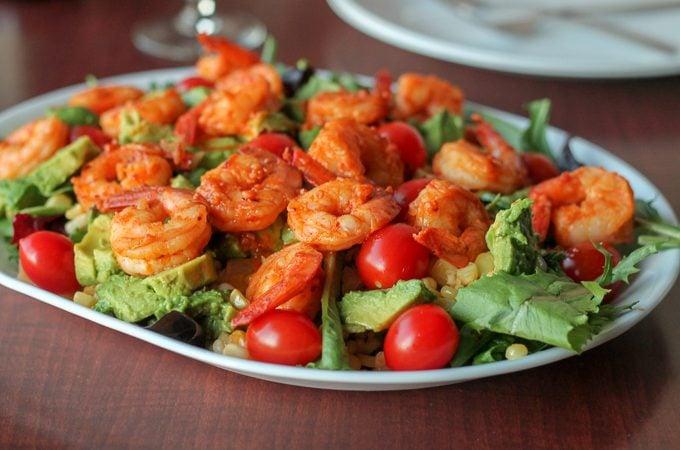 Garlic Sriracha Shrimp Dinner Salad